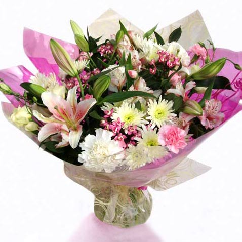 Flower Delivery Classic Pink Hand Tied